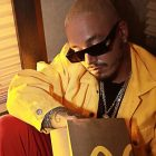 J Balvin colaboracion con McDonalds hamburguesas McTrio