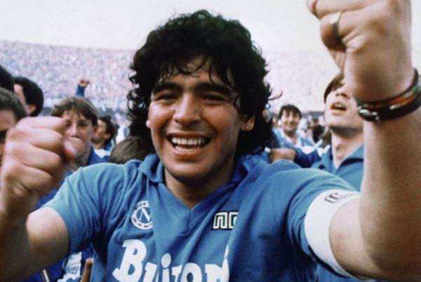 Maradonna muerte noticias series peliculas documentales futbol
