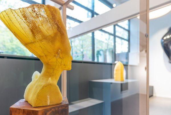 esculturas clásicas Nefertiti materiales naturales Tomas Libertity