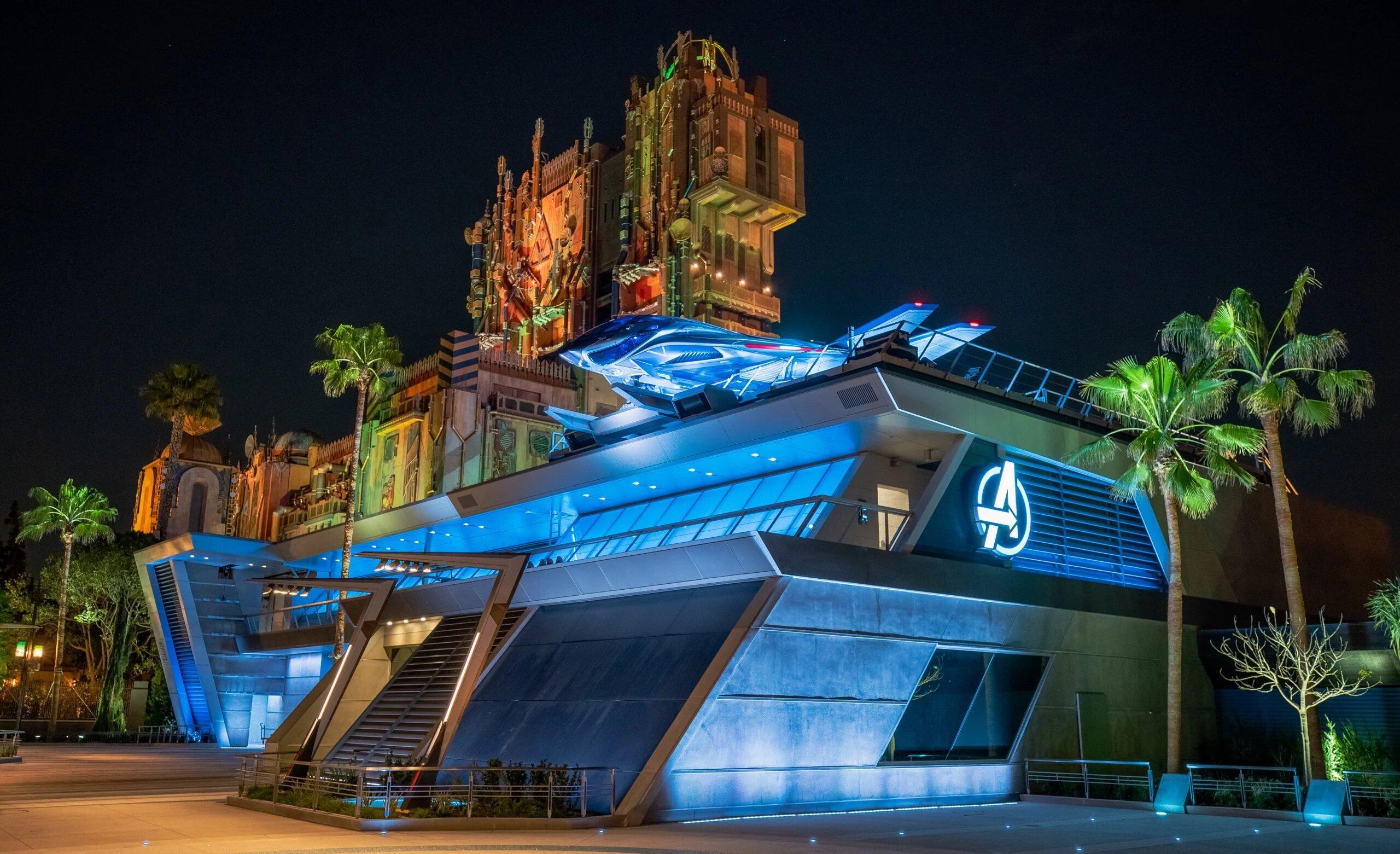 Avengers Campus Disneyland: Spider-Man vuela y armadura tamaño real de Iron Man