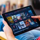 Netflix y Disney Plus buscan nuevas estrategias para recuperar su crecimiento