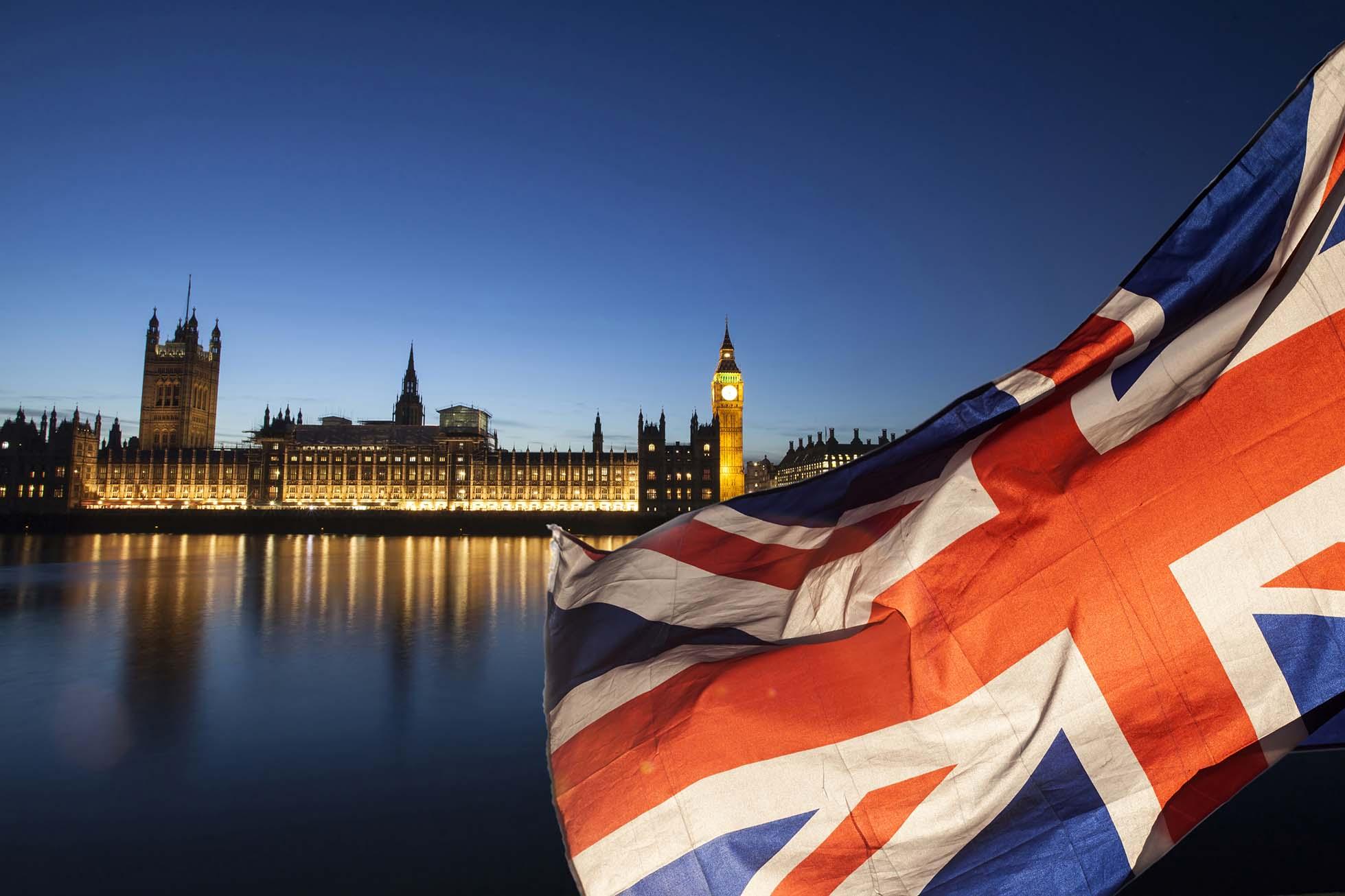 México saldrá de la lista roja de COVID-19 en Reino Unido